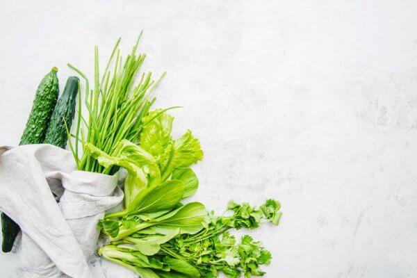 Granatapfel Salat mit Knoblauch dressing