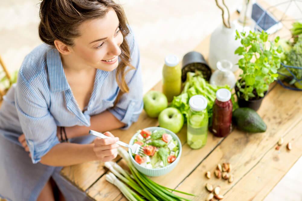 Salat kann mit der richitgen Kombination an Gewürzen sehr gut schmecken. Wir zeigen es Ihnen gerne.